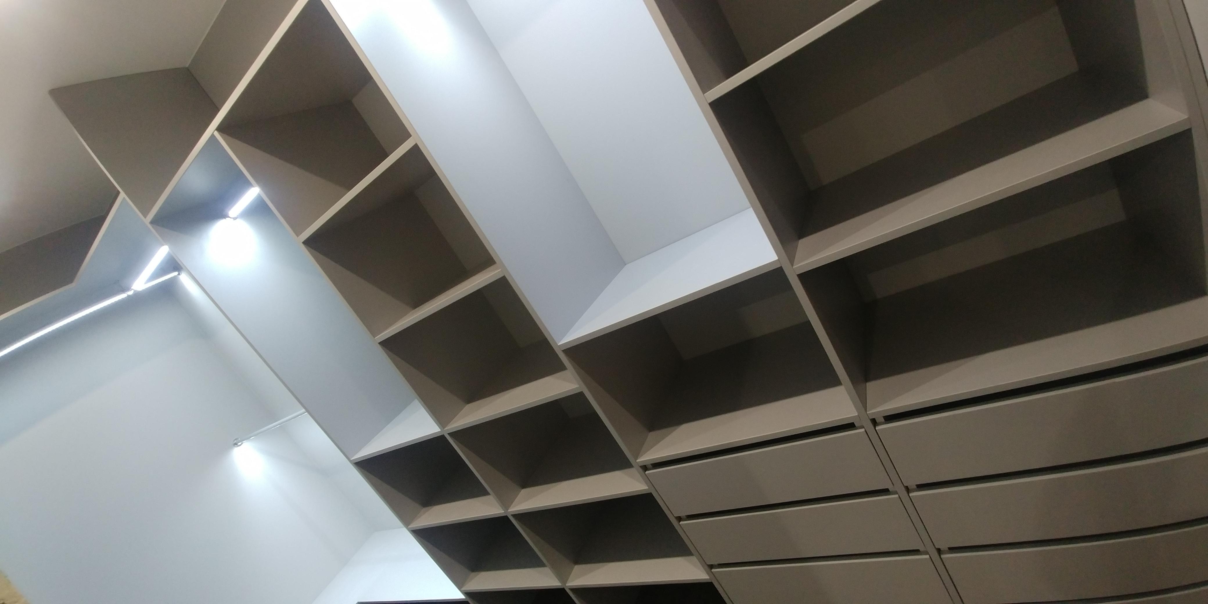 Podświetlane półki