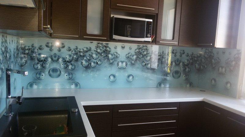 Cieniowane szkło dekoracyjne z małymi kuleczkami